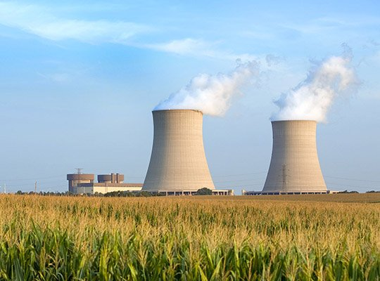 cooling towers of nuclear plant in Byron IL